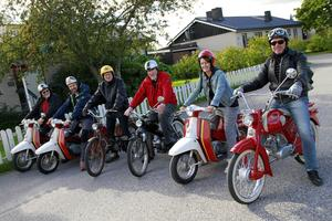 Sune Svedin, Kent Hammarström, Anders Engström (som arrangerade lördagens utfärd mot hemligt mål), Rune Stark, Åsa Bäckvall och Lasse Jonasson gjorde sig klara för en tur i lördags.