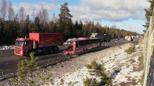 Norrtelje Tidnings bild från olycksplatsen, tagen på långt avstånd, efter avslutad räddningsinsats.