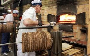 På lördag kan besökare smaka på varmt nygräddat bröd direkt från ugnarna hos Vika Bröd.