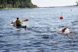 Anna-Carin Nordin sätter fart mot Mellanfjärden
