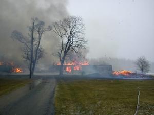Hantverksladan i Toltorp, Närkesberg brinner ner till grunden.