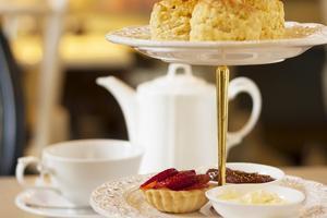 Afternoon tea enligt konstens alla regler.