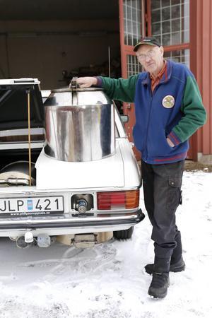 Efter 15 år och några tusen mil på vägarna tycker Gunnar fortfarande att det är lika roligt att köra sin gengasbil.