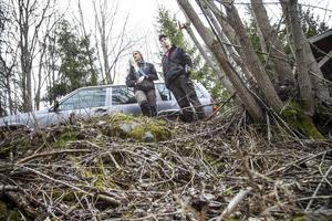 För drygt två veckor sedan blev Lovisa Perssons och Johan Eihlands utsatta för upprepade skenanfall av en björn som även tog ett av deras får. Efter att den avlivats har nya björnar letat sig till gården.