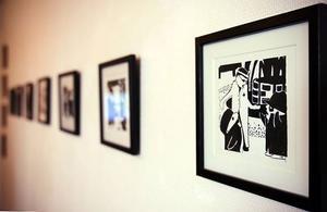 """Grafiken i äventyrsspelet """"Rorschach"""" består i grunden av tuschteckningar på akvarellpapper."""