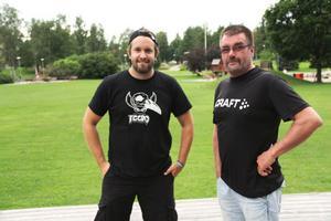 Förra året kom cirka 1000 besökare till Playwood. Jörgen Persson och Björn Ingesson hoppas att vädret är på deras sida även i år.