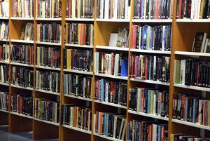Ånge bibliotek behöver köpa fler böcker.