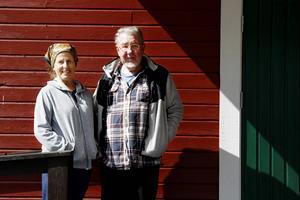 Göthe Svensson arrangerade danser på Sandviken i 48 år. På måndagseftermiddagen förlorade han kampen mot cancern. Särbon Arline Sarvell, som drev verksamheten tillsammans med Göthe Svensson, de senaste åren berättar för LT om sorgen.