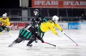 Ljusdals BK drar i Tobias Andersson som sköt dem kvar i Elitserien.