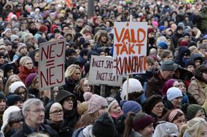 Om feminismen hade gått för långt så hade det inte behövts någon demonstration i helgen. Demonstrationen hölls mot sexuellt våld och för en samtyckeslag och tog plats på Medborgarplatsen i Stockholm.