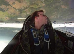 Så här ser världen ut för Johan Gustafsson när han tävlar med sitt segelflygplan.