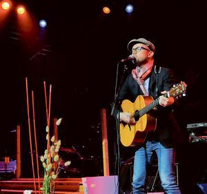 Tomas Andersson Wij spelade och sjöng.