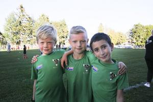 Loui Fröjd, Wille Kaneskär och Ayaz Yurt i laget Wolfs tycker alla att lilla Champions League är toppen.