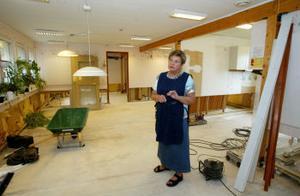 Förskolechef Astrid Brink var på semester när hon fick höra om vattenskadan. Nu har hon jobbat i två veckor och tycker att allt går bra ändå.