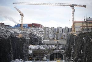 Så här såg det ut i april 2012 när bygget av det nya kraftverket i Hissmofors hade kommit i gång. Jämtkraft kan räkna med att få bidrag för stor del av kostnaden, just nu ligger elcertifikaten på 200 kronor per MWh.