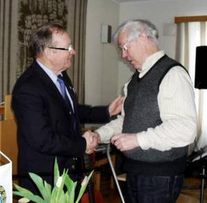 Rolf Emanuelson och Arne Regnander i samspråk.