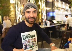 Kennedy har skrivit boken om sig själv tillsammans med Benny Haag.
