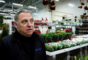 Lennart Ögren tror på en blomstrande framtid för Östersund. Själv driver köpmannaföreningens ordförande Buketten i Lillänge.