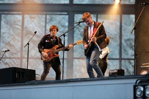 Originalmedlemmen Carl-Johan Fogelklou (till vänster) och nye gitarristen Jens Siverstedt.