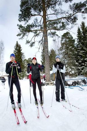 Per Johansson, Ingela Svedberg och Elsa Rodhe, med fem, tio respektive två Vasalopp i bagaget, berömde spåren i Hemlingby.