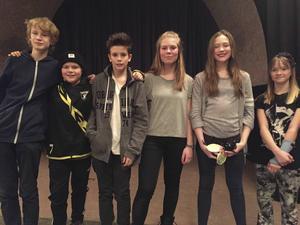 Från vänster: Erik Widenfalk, Melker Berg, Elliot Fernquist, Meja Roberg, Wilma Hjärp, Maj Gröndal