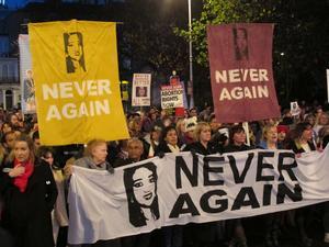 2012 dog Savita Halappanavar på Irland efter att ha nekats abort trots att hennes liv var i fara. Det ledde till massiva protester som resulterad i lagstiftning som tillåter abort för att rädda kvinnans liv.