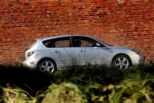 Fin styrning. En av fördelarna med Mazda 3 är den direkta och känsliga styrningen Foto: Björn Olsson