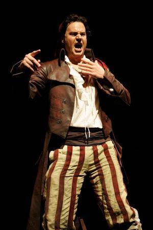 I huvudrollen. Peter Mattei från Sverige är en av stjärnorna i lördagens utsändning från Metropolitan i Smedjebacken.