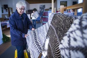 Marie-Louise Tynong beundrade flera av mattorna.