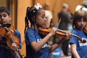 Eleverna i musikprojektet El Sistema Stockholm ska uppträda i Berwaldhallen.