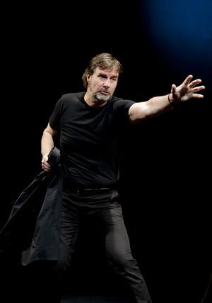Roger Storm spelar enmansföreställningen Markusevangeliet, som sattes upp för första gången i Uppsala för tio år sedan.