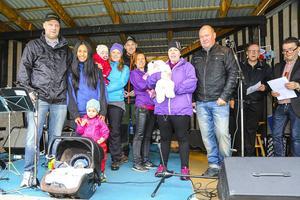 Fem nya härjedalingar hälsades välkomna under firandet i Hede, fyra av dem fanns på plats med föräldrarna och fick komma upp på scen. Fullmäktigeledamoten Magnus Rehnfeldt (S) representerade kommunen.
