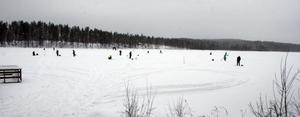 Runt ett 60-tal fiskare deltog under premiären i Lesatten, Ramsjö.