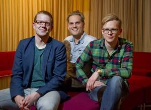 """Ironiska författare. Niclas Wikström, Christian Albinssson och Fredrik Söder har skrivit boken """"90-talet.se""""."""