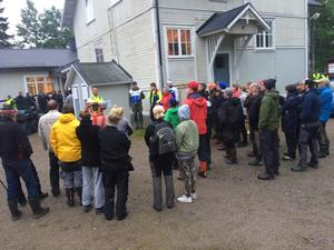 Försvunnen sexåring, många frivilliga har samlats för att hjälpa till.