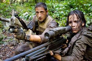 """BRA jobbat. Adrien Brody och Alice Braga gör det bästa av sina roller i filmen """"Predators""""."""