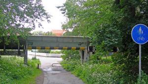 Depkens väg. Rännan går rakt genom Bomhus.