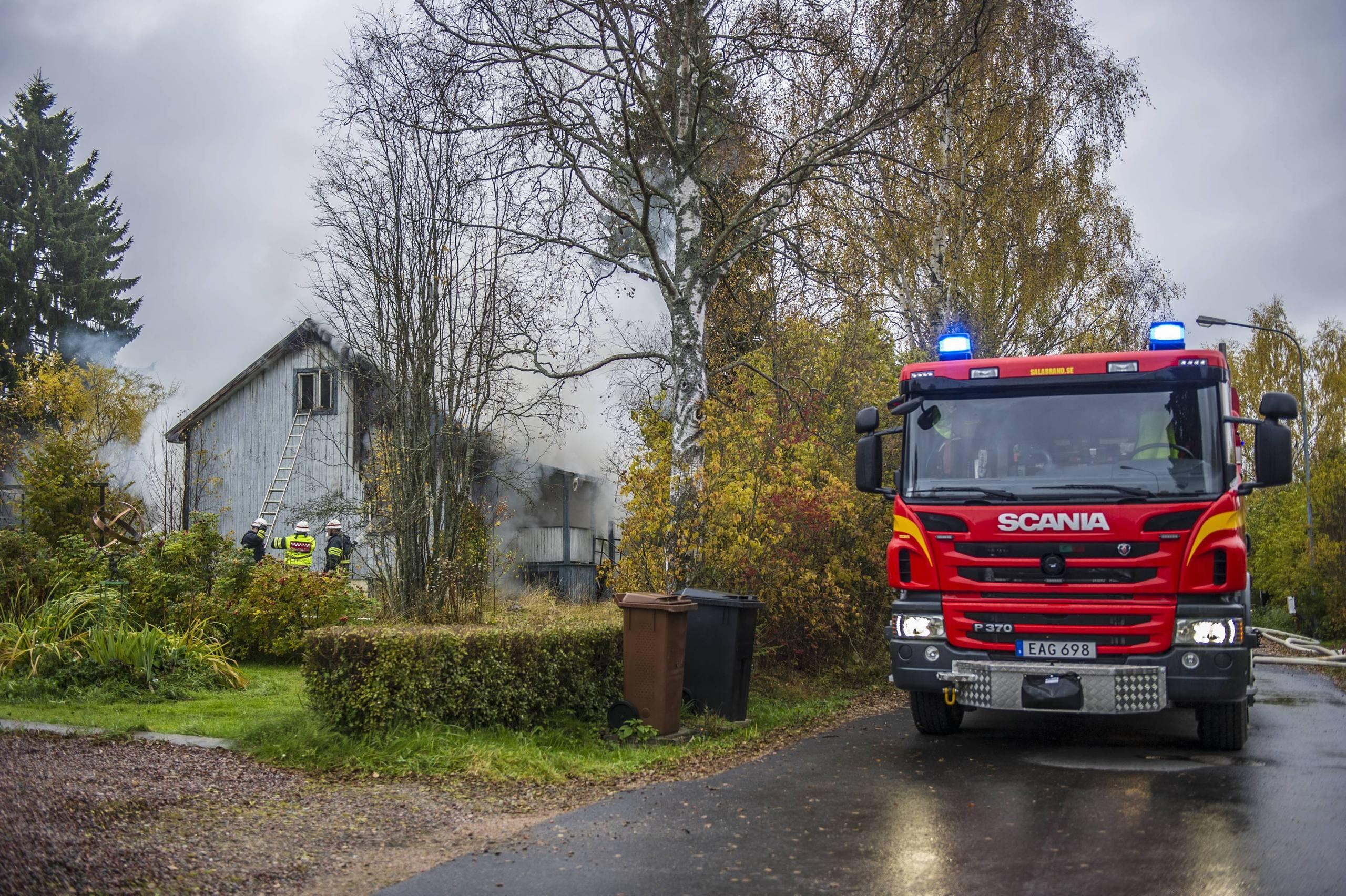 Hus brann ner utanfor smedjebacken