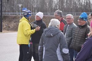Bertil Konradsson tog farväl av sina vänner inför resan på cykel till Medelhavet.