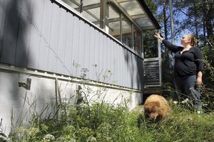 Efterlängtad förändring. Maria Wikström vill ta bort glasverandan och bygga ut huset för att få mer plats.