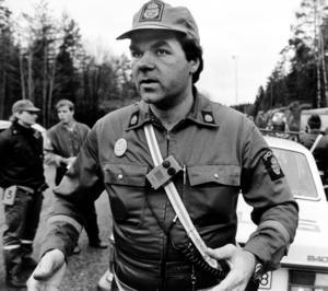 Polis Mikael Olsson var först på plats med sin kollega, men de båda fick fly från platsen.