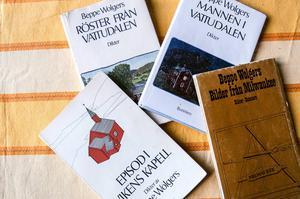 Beppe Wolgers diktsamlingar löper som en röd tråd i filmserien.