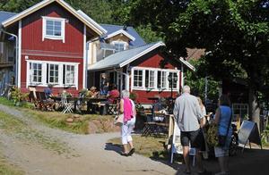 Ruben Madsen har sålt fastigheten på Ulvö Hamngata 140 till bolaget Kristinebo Fastigheter AB, där Linn Madsen sitter i styrelsen.