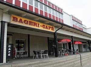 Bageriet och kaféet på Hullsta Gård är till salu för 1 400 000 kronor.