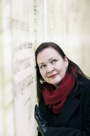 Annelie Bränström Öhrman har sammanställt dagböcker av Sara Lidman.