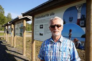 Gregor Grönroos är en av de Vibyggeråbor som jobbat med uppsnyggningen av hamnen.