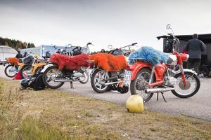Den som var med på 1970-talet känner nostalgin med mopedfällar.