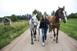 – Det här är hela mitt liv och jag älskar det, säger Rebecca Sjögren.