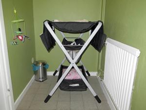 Barnperspektivet är tydligt. Skötbord och leksaker ska underlätta för föräldrar att ta med sig barnen till lokalen. Men den som är påverkad av alkohol eller droger är inte välkommen.
