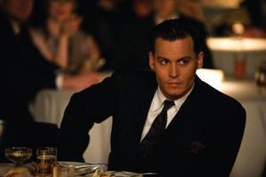 "Johnny Depp spelar den karismatiske bankrånaren John Dillinger i Michael Manns ""Public enemies"". Foto: UIP"